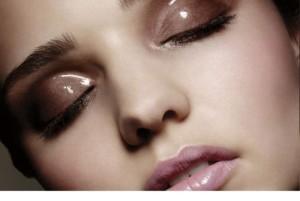 Форма глаз и макияж