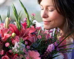 Покупка свежих живых цветов оптом