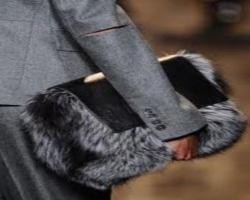 Как ухаживать за меховыми сумками
