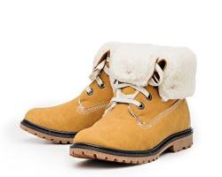 Женские зимние ботинки: приобретение через интернет-магазин модной женской обуви