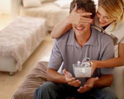 Что подарить мужу на 23 февраля: практичность побеждает!