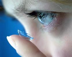 Ученые используют стволовые клетки для создания контактных линз