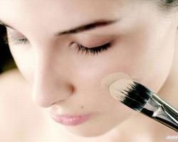 Как выполнить красивый макияж без ошибок?