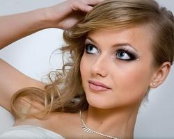 Как выполнить красивый праздничный макияж?