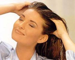 Жирные волосы: возможные причины