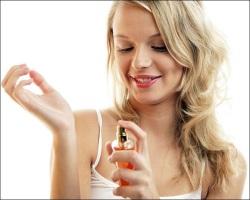 Наносим любимый парфюм правильно