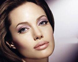 Станьте прекрасной Анджелиной!