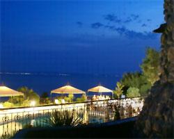 Mouzenidis Travel предлагает шоп-туры в Грецию