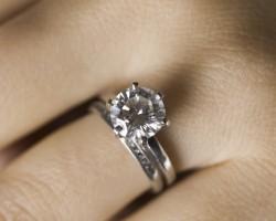 Бриллиантовые украшения – блестящая история роскоши