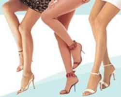 Лето — в поле зрения женские ноги