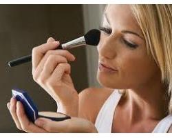 Как быстро освежить макияж?