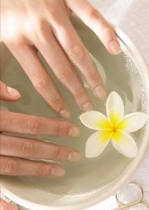 Ванночки для рук: как делать и что для этого нужно?