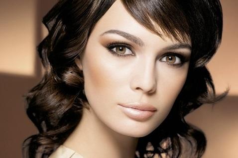 Как грамотно подобрать свадебный макияж брюнетке?
