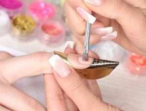 Наращивание ногтей акрилом – особенности процедуры