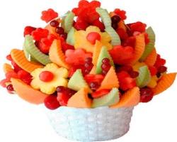 Оригинальные подарки: фруктовые букеты