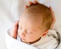 Как помогает новорожденному неонатолог?